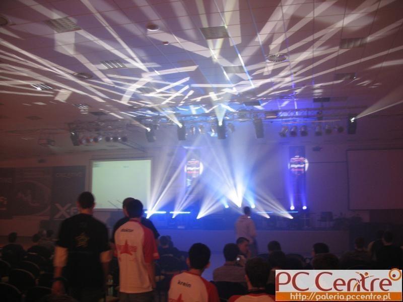 Światła na scenie